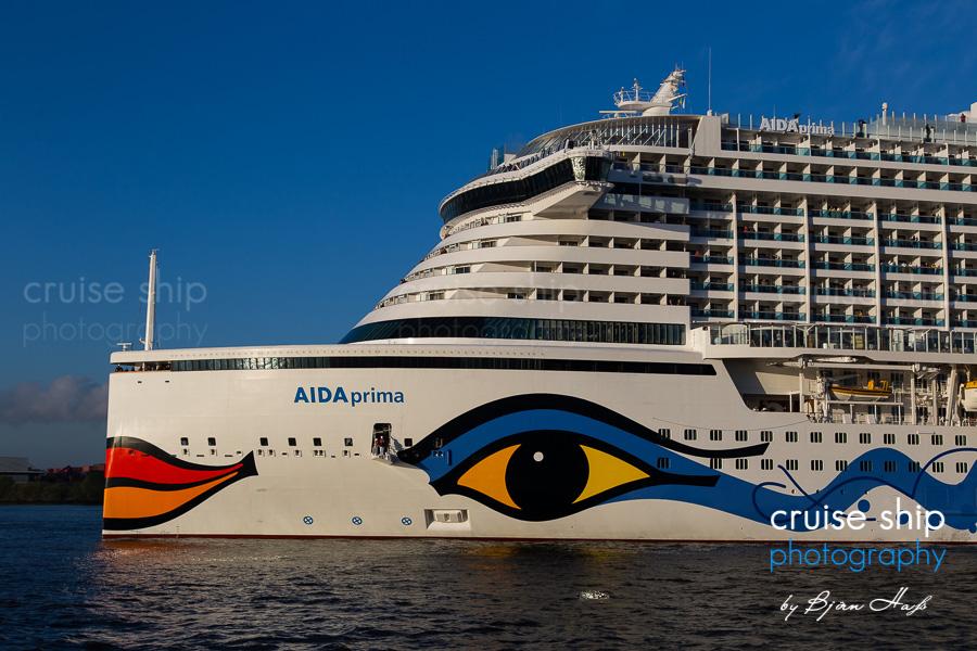 AIDAprima erreicht Hamburg 4