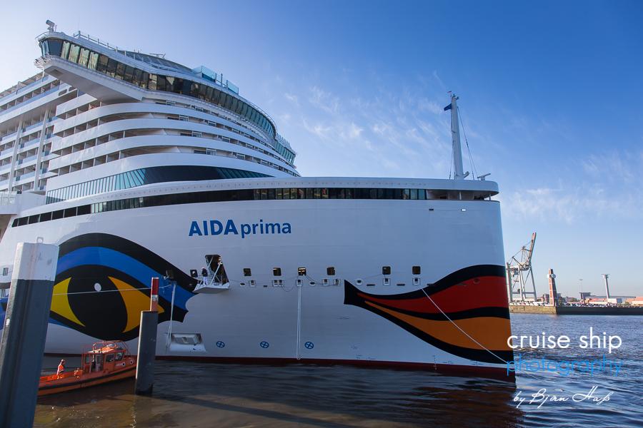 AIDAprima erreicht Hamburg 14