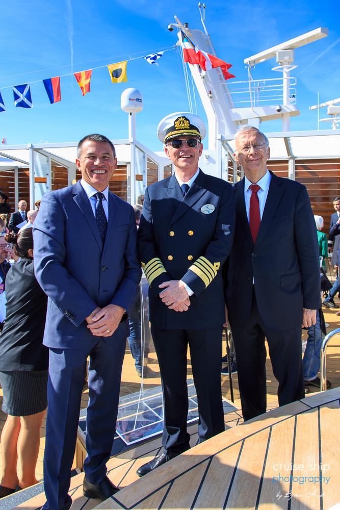 Meyer Werft übergibt die Norwegian Bliss an NCL 11