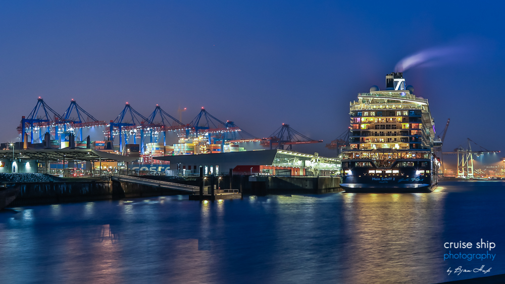 Erstmals in Hamburg: Neue Mein Schiff 2 läuft Hansestadt an 39