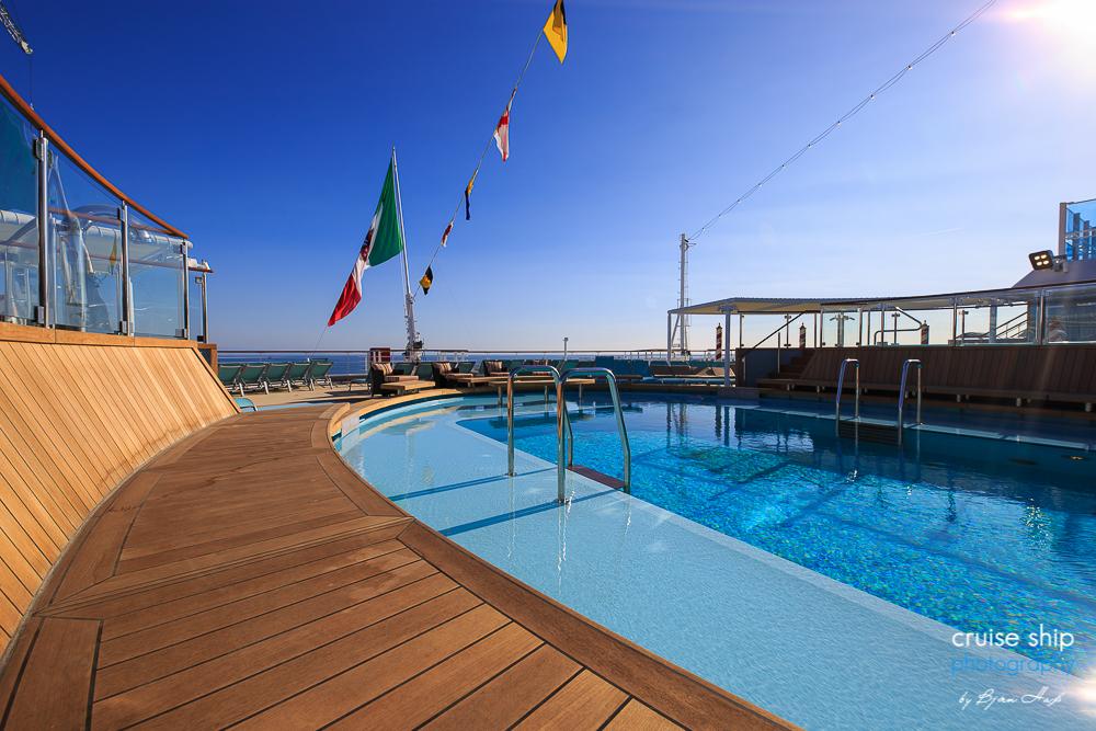 Costa Venezia – Ein Kreuzfahrtschiff bringt italienisches Flair nach China 16