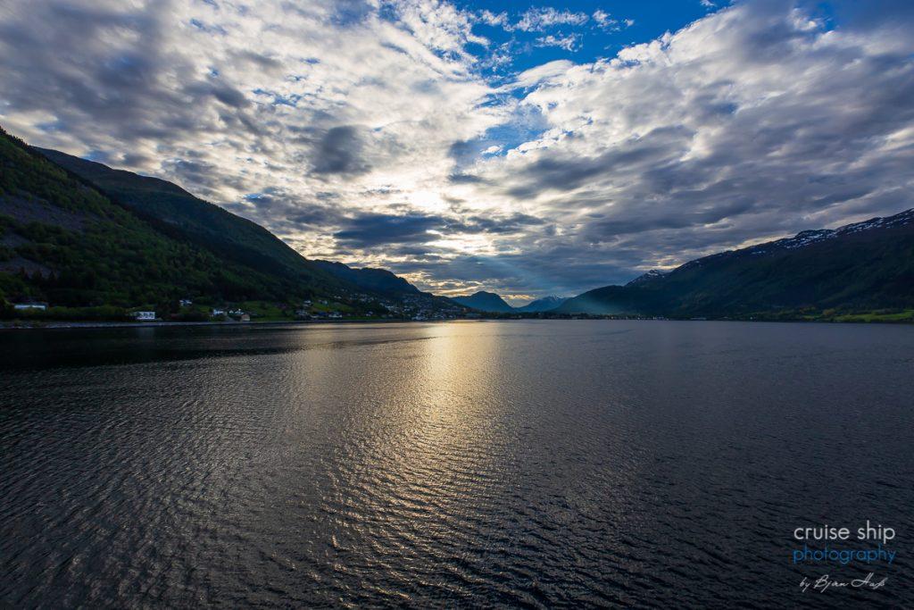 Die AIDAperla in Nordfjordeid