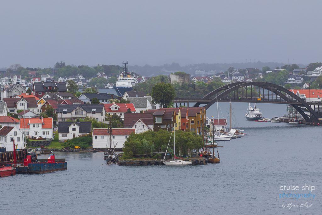 Einlaufen mit der AIDAperla in Stavanger