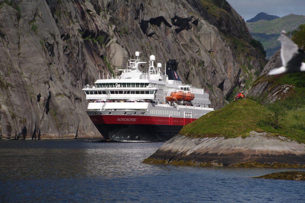 Grüner Antrieb: Hurtigruten kooperiert mit Biokraft und fährt künftig mit Biogas aus Fischabfällen 2