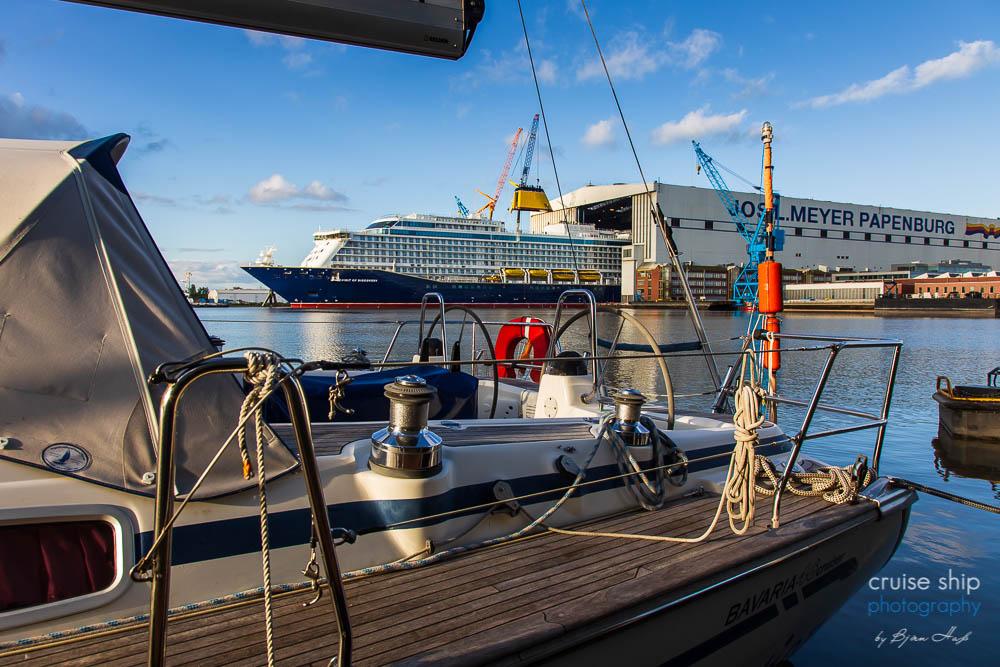Die Spirit of Discovery verlässt Baudock der Meyer Werft
