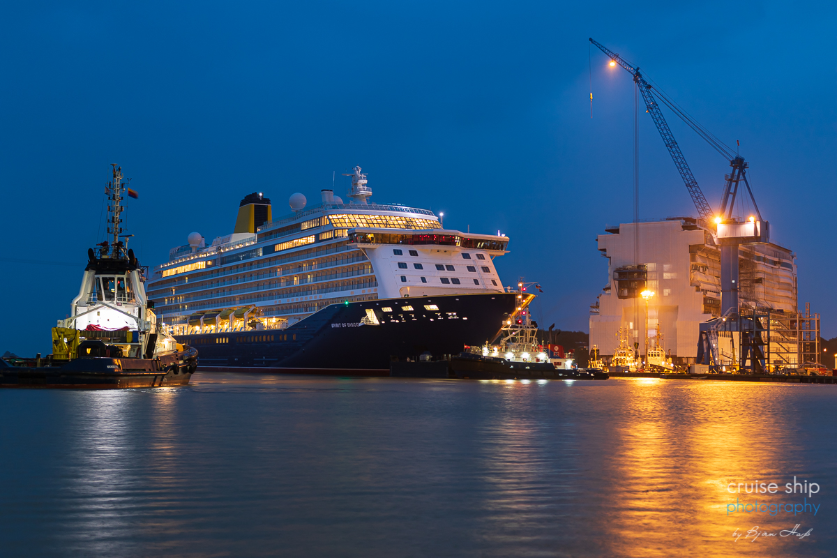 Spirit Of Discovery Absolviert Emsuberfuhrung Cruise Ship Photography