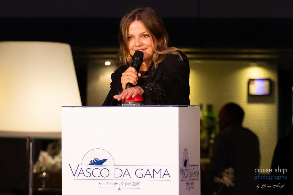 Kreuzfahrtschiff Vasco da Gama von transOcean in Bremerhaven von Sängerin Annett Louisan getauft