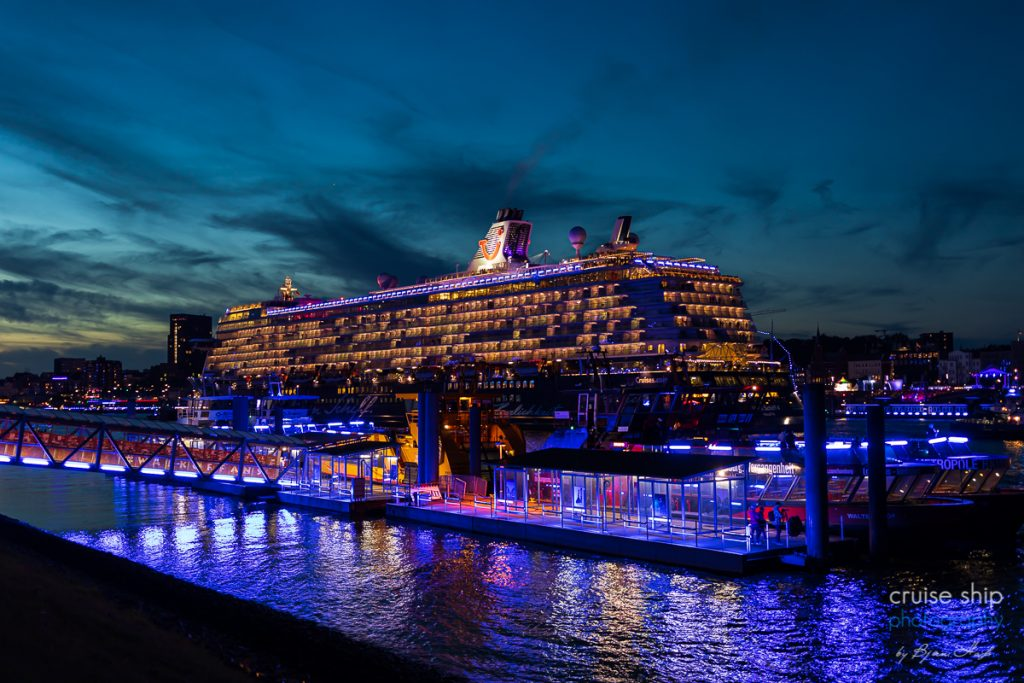 Die Mein Schiff 4 bei den Cruise Days Hamburg