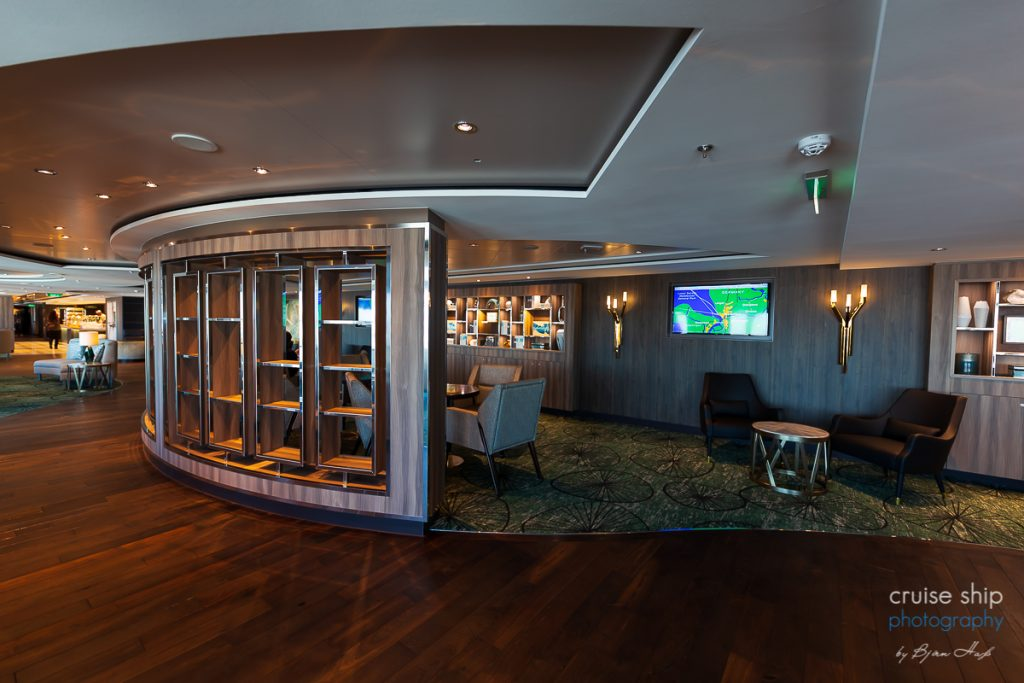Die Observation Lounge der Norwegian Encore