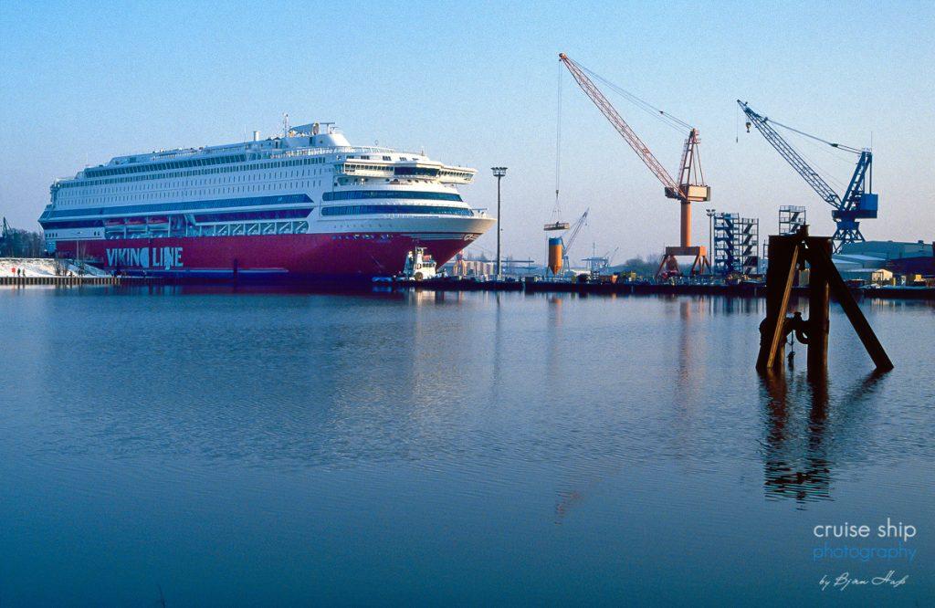 Die Fähre Europa im Hafen der Meyer Werft