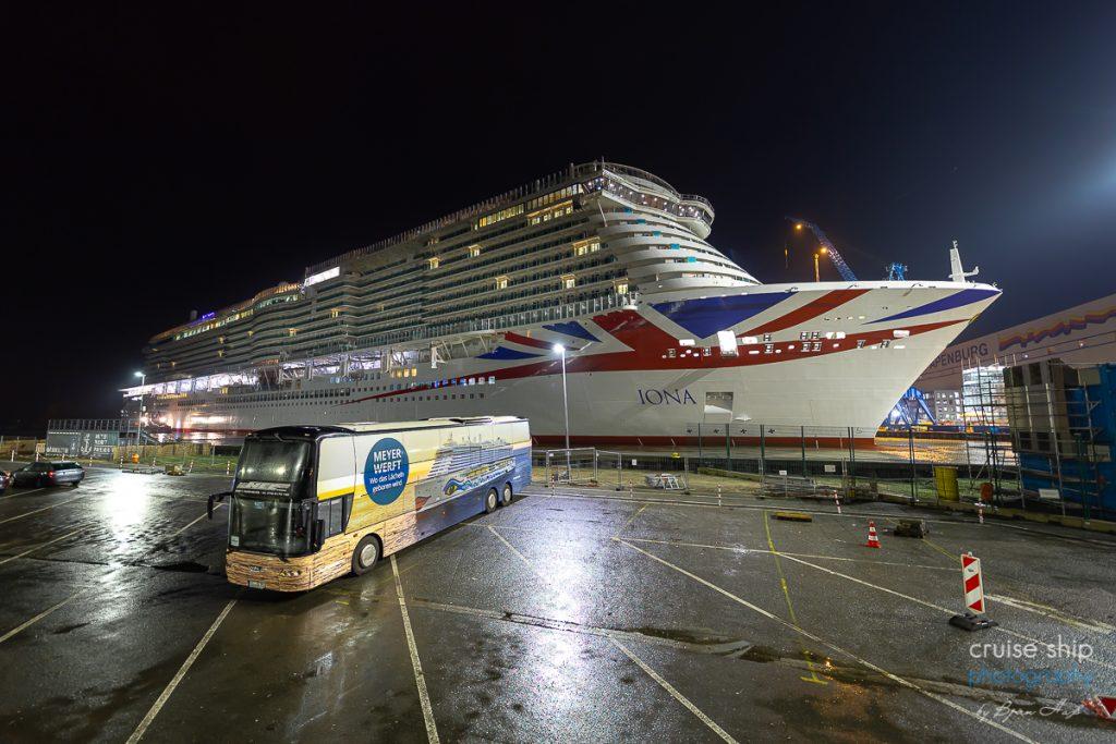 Die IONA von P&O Cruises hat das Baudock der Meyer Werft verlassen