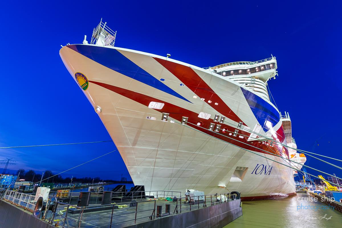 Kreuzfahrtschiff IONA beginnt vorgezogene Emsüberführung