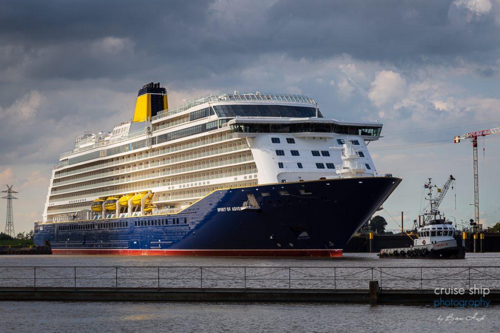 Spirit of Discovery verlässt Baudock der Meyer Werft