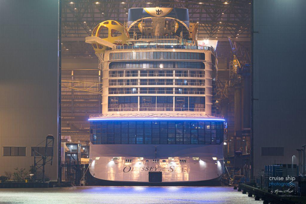 Odyssey of the Seas verlässt Baudock der Meyer Werft