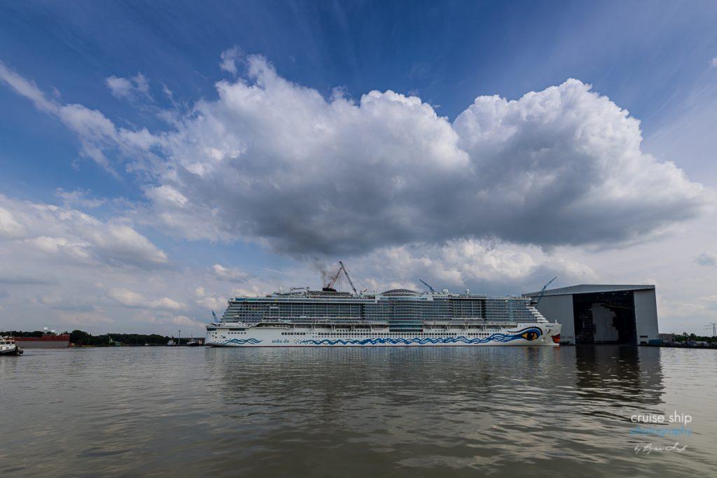AIDAcosma verlässt Baudock der Meyer Werft 2